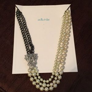 Stella & Dot - Daisy Pearl Necklace